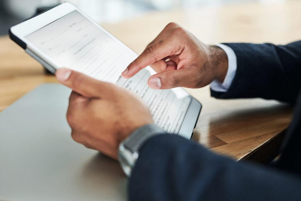 Rellenar formulario de impuestos con una tablet mg prime